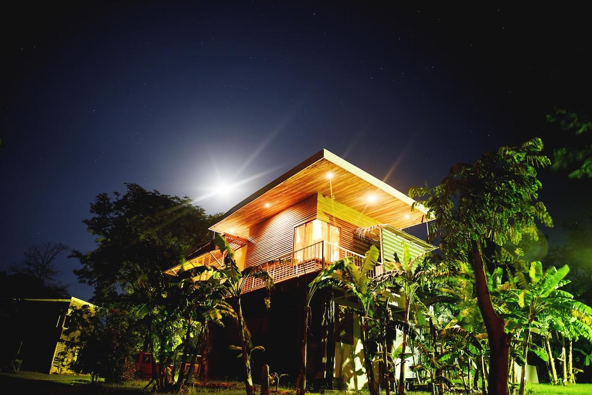 Cozy Cabina in Playa Avellanas