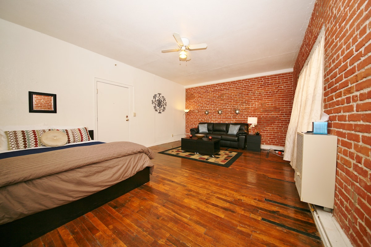3Q Apartment In Heart Of Hollywood