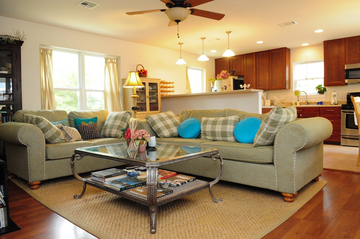 Open concept - transition from living to kitchen seamlessly.  Seating for five, pull-out queen bed for two.