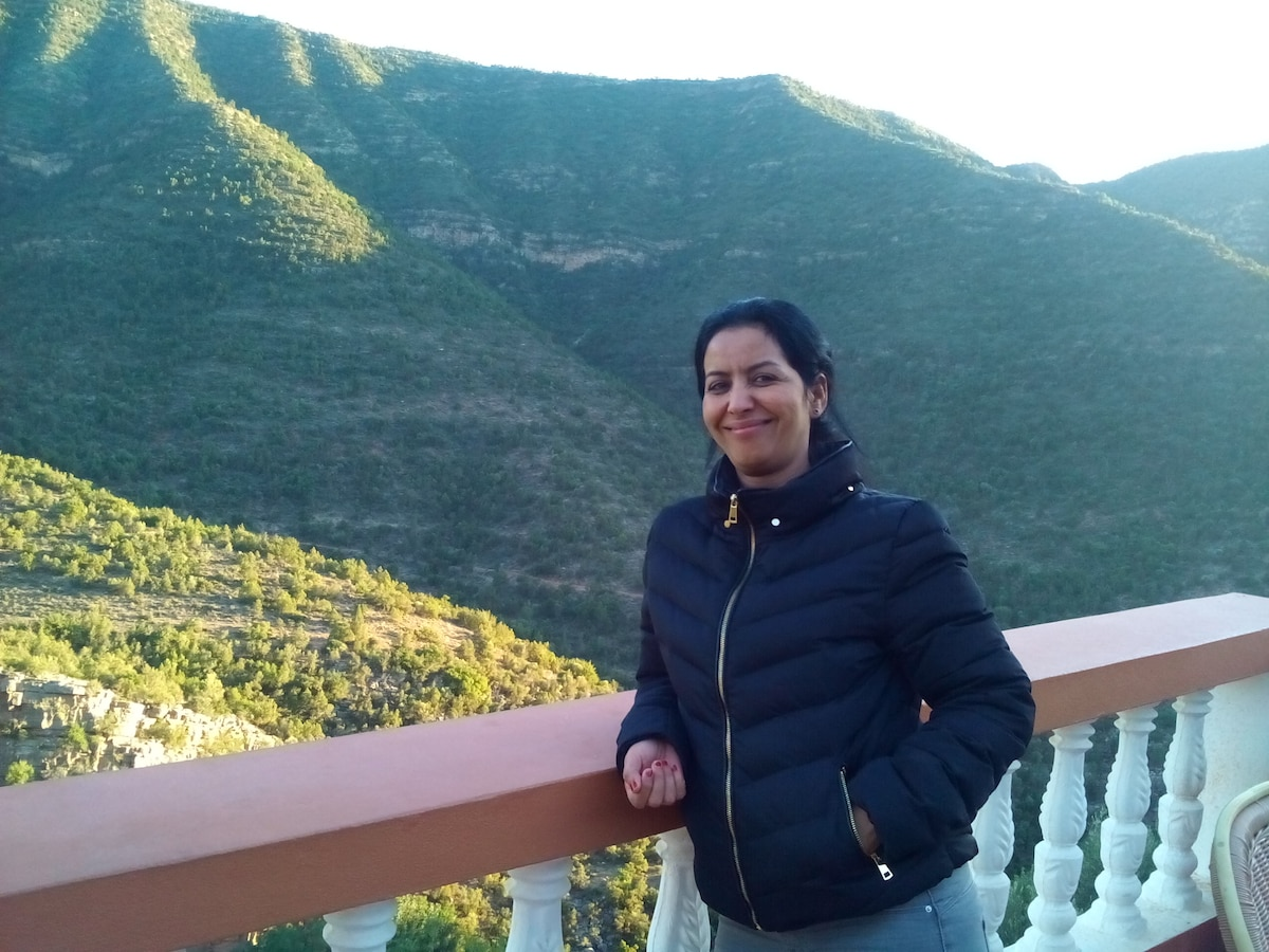 Souad from Agadir