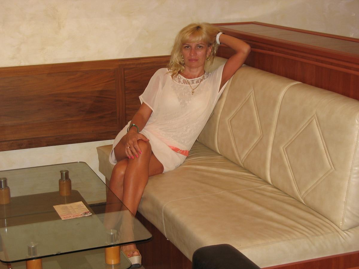 Я живу в городе Минске,занимаюсь сдачей квартир на