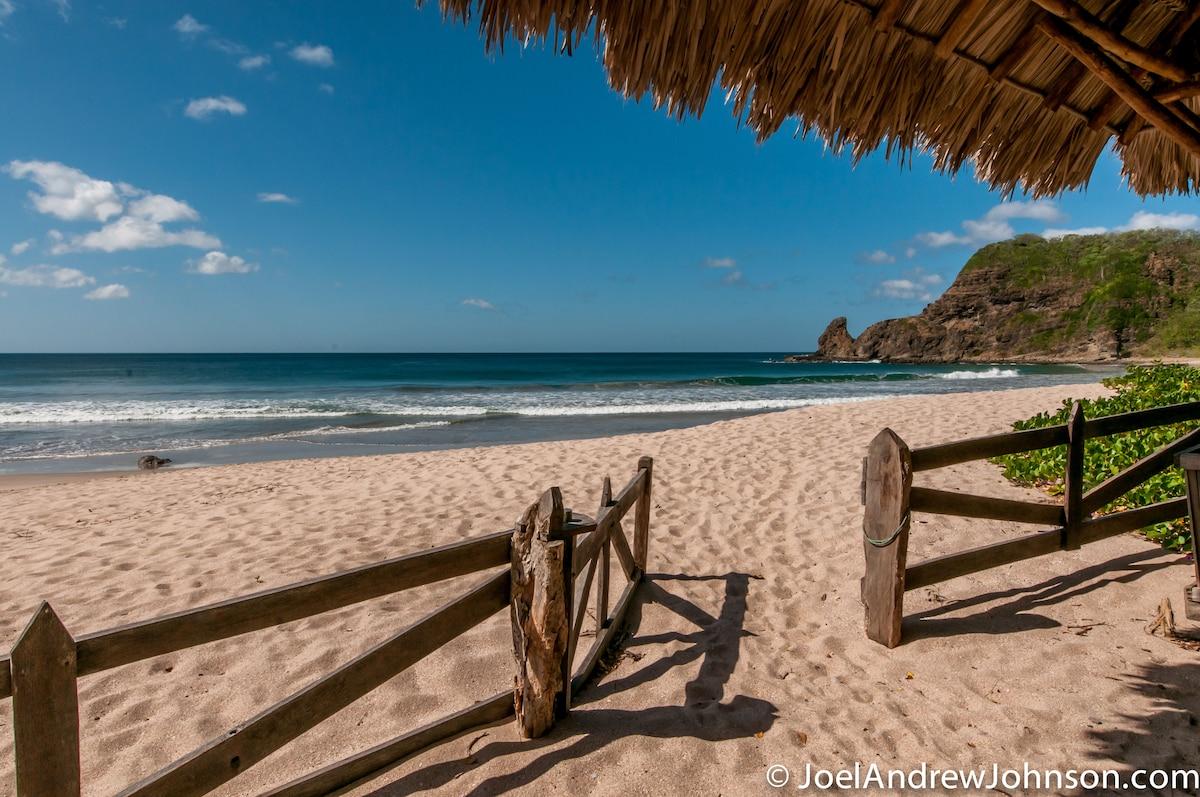Fionan/Laura From San Juan del Sur, Nicaragua