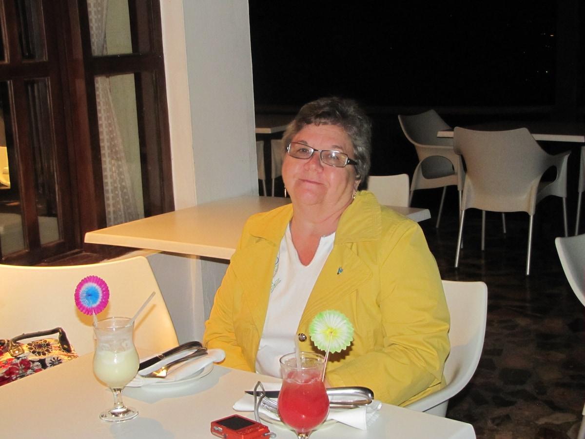 Sharon from Santiago De Los Caballeros