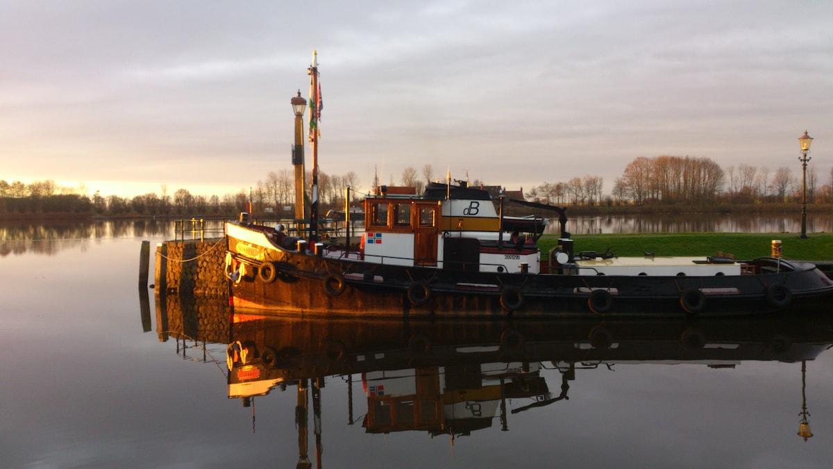 Sleepboot from Zoutkamp