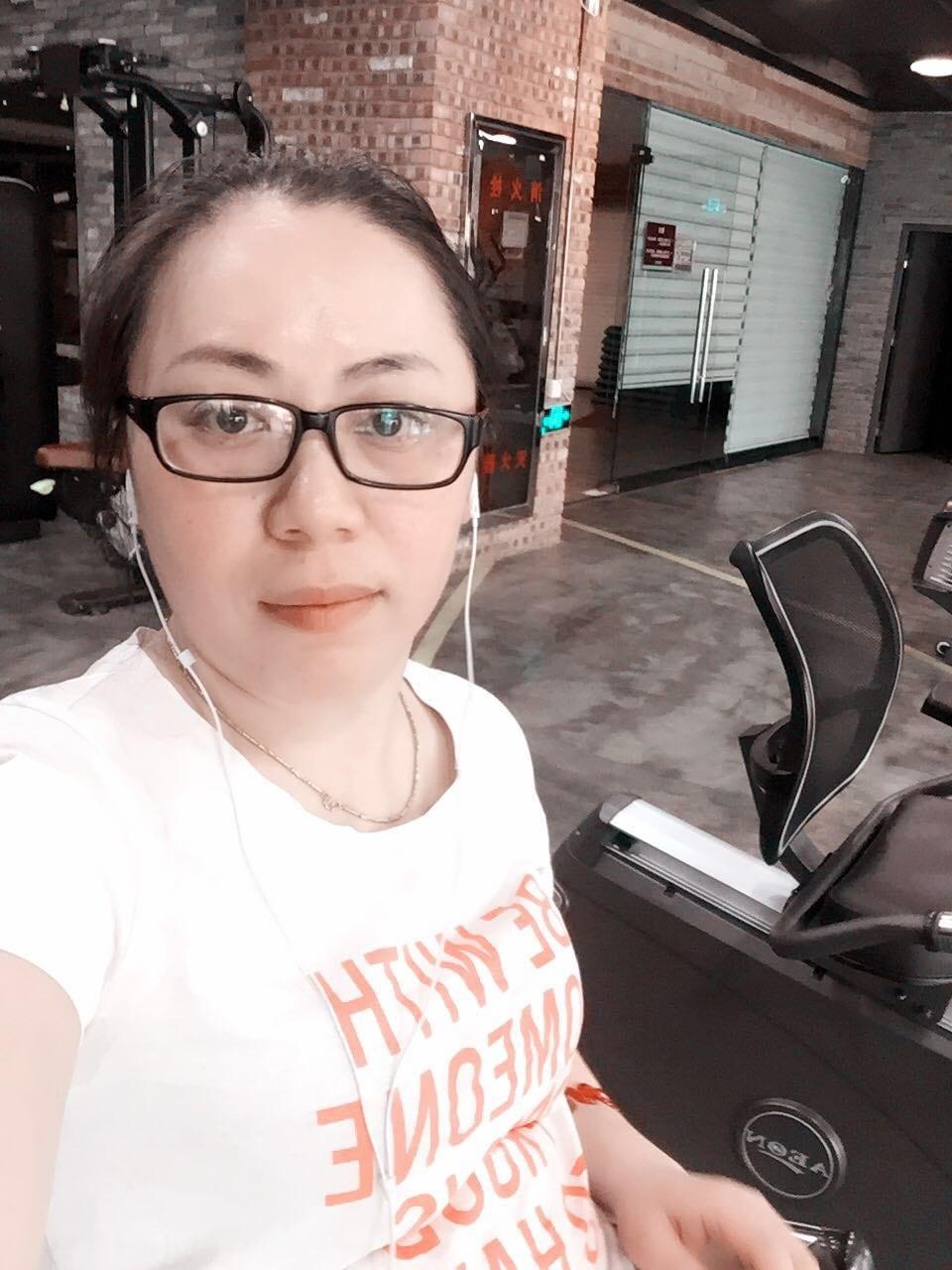 璇 from Wuhan