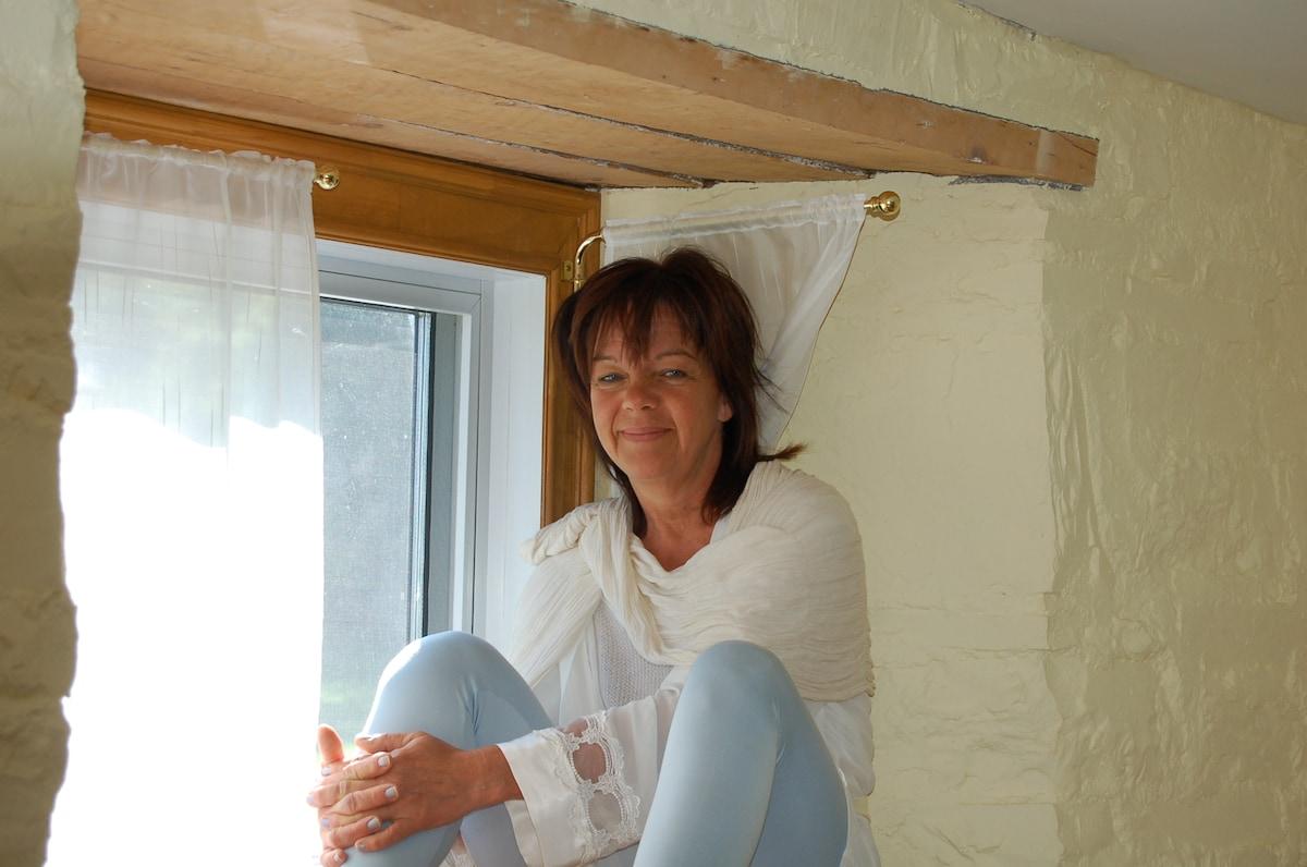 Pauline From Lévis, Canada