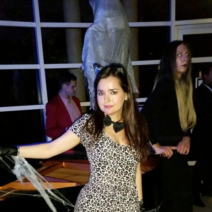 Ainara from London W8