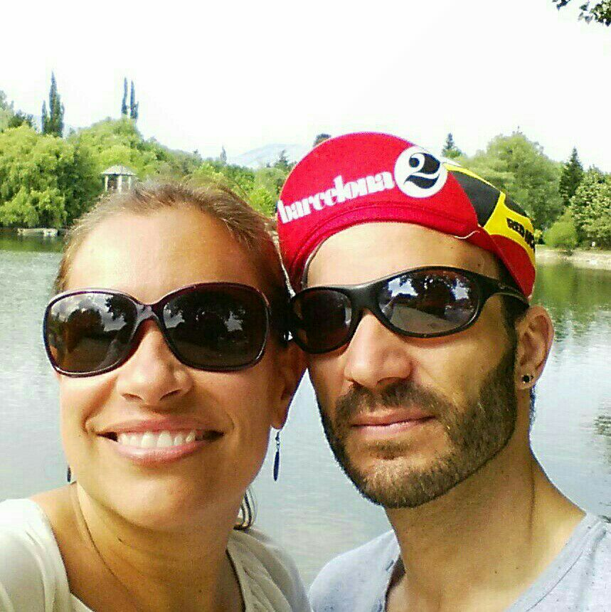 We are a couple who live in Barcelona. I (Veronica