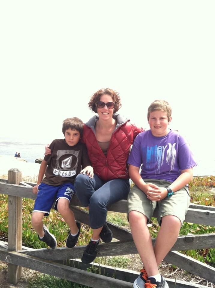 Hi, I'm a working mother of two boys. I enjoy loca