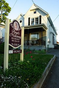 Angel's Hideaway is located in Niagara Fall's prim