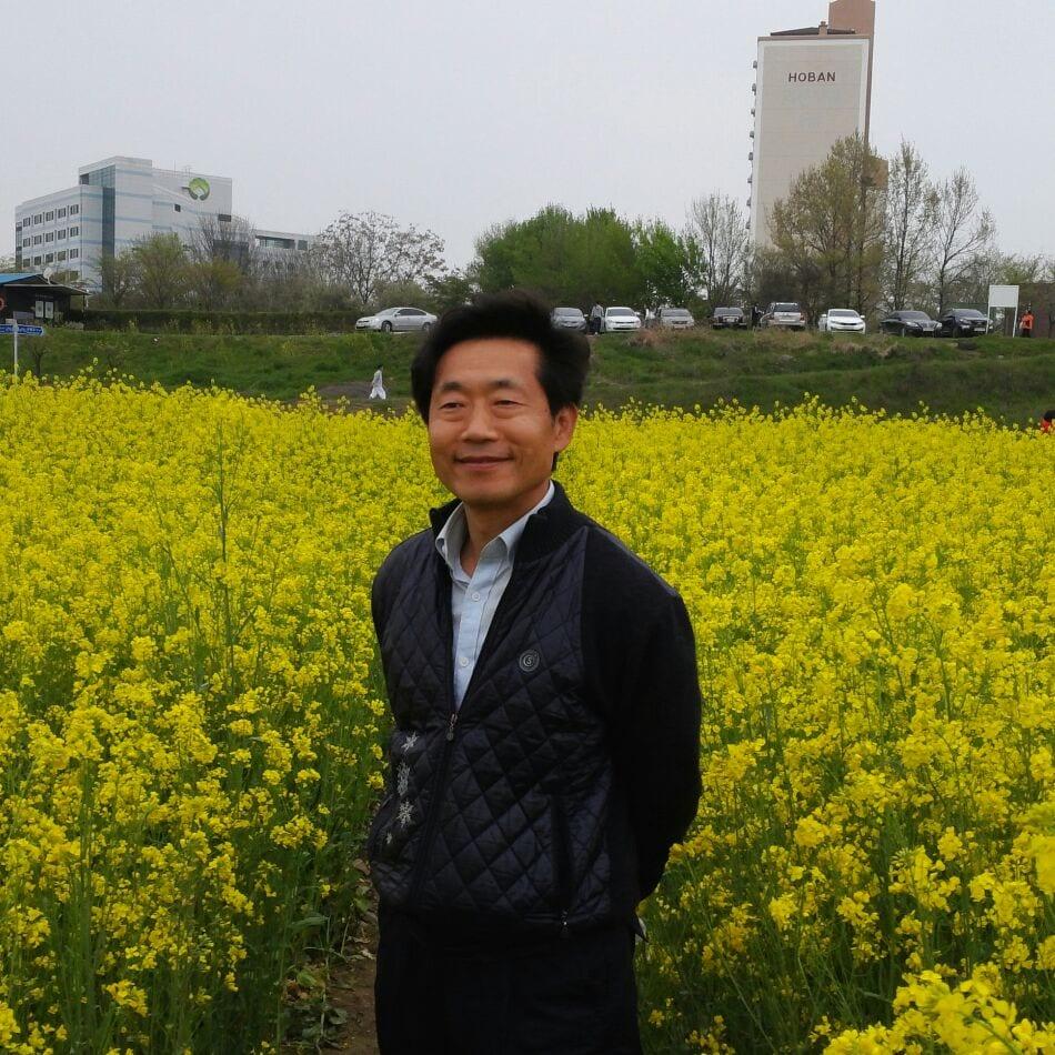 대한민국, 광주광역시에서  아들 셋 을 낳아 행복하게 살고있는 평범한 사람입니다.    자
