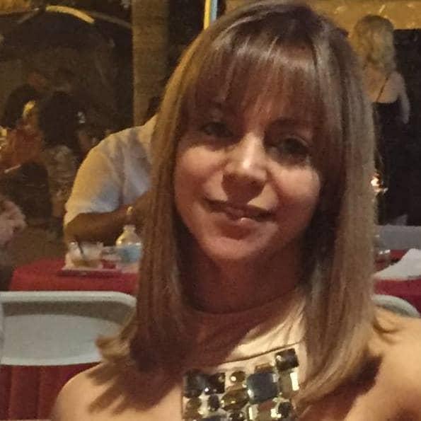 I am Karina from Cuba. I am a Physical Therapist a