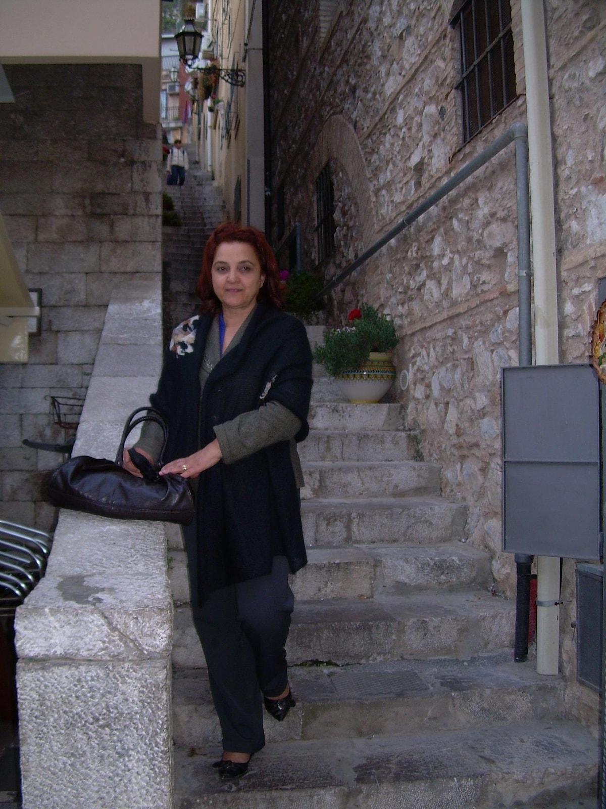 Francesca from Roseto Capo Spulico