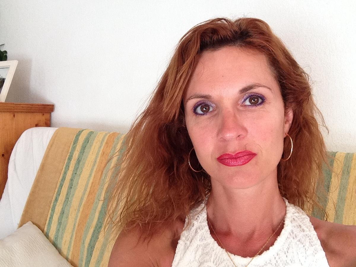 Celia from Jacou