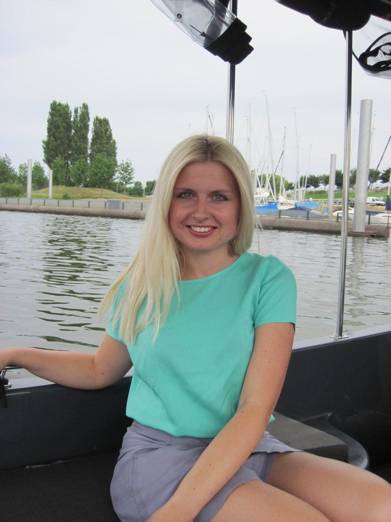 Oksana from Antwerpen
