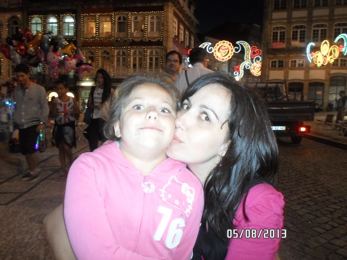 Jacqueline from Guimarães