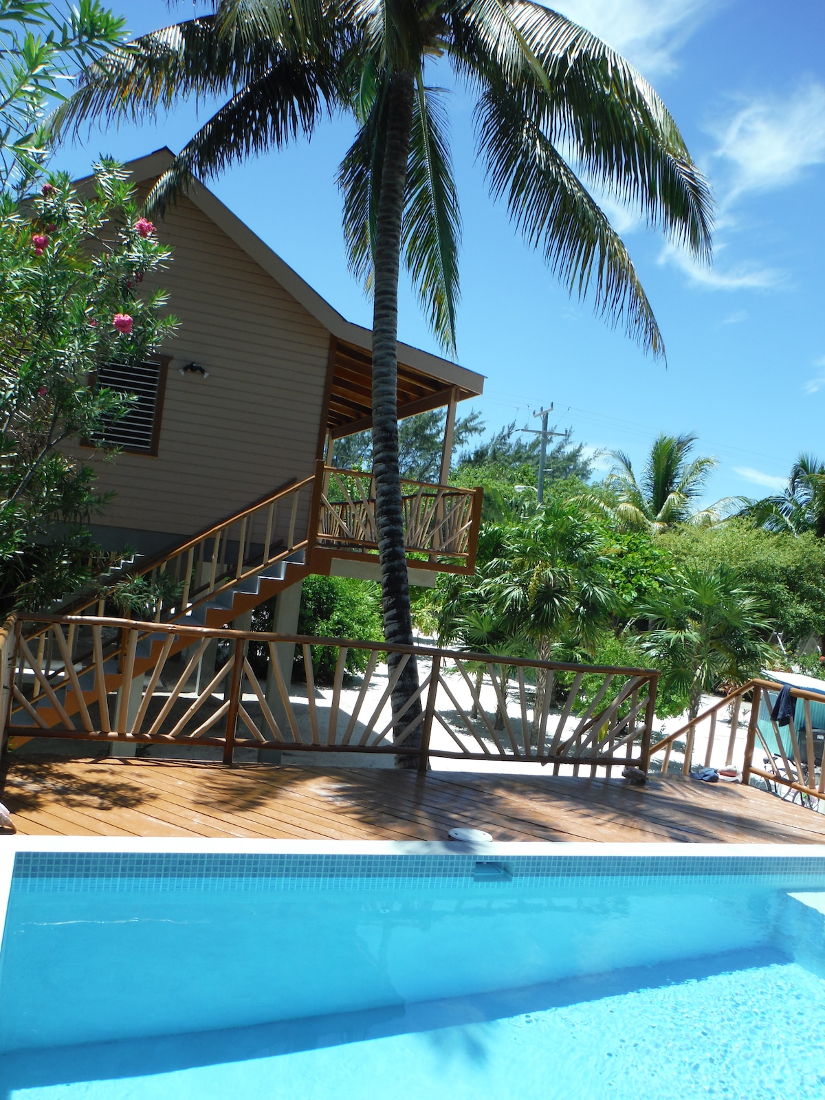 Rosco'S Faymous Hideaway - I No Know from Caye Caulker