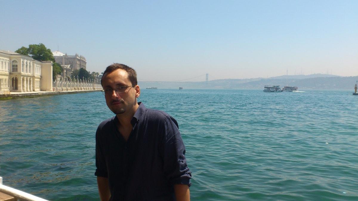 Selcuk from Geneva