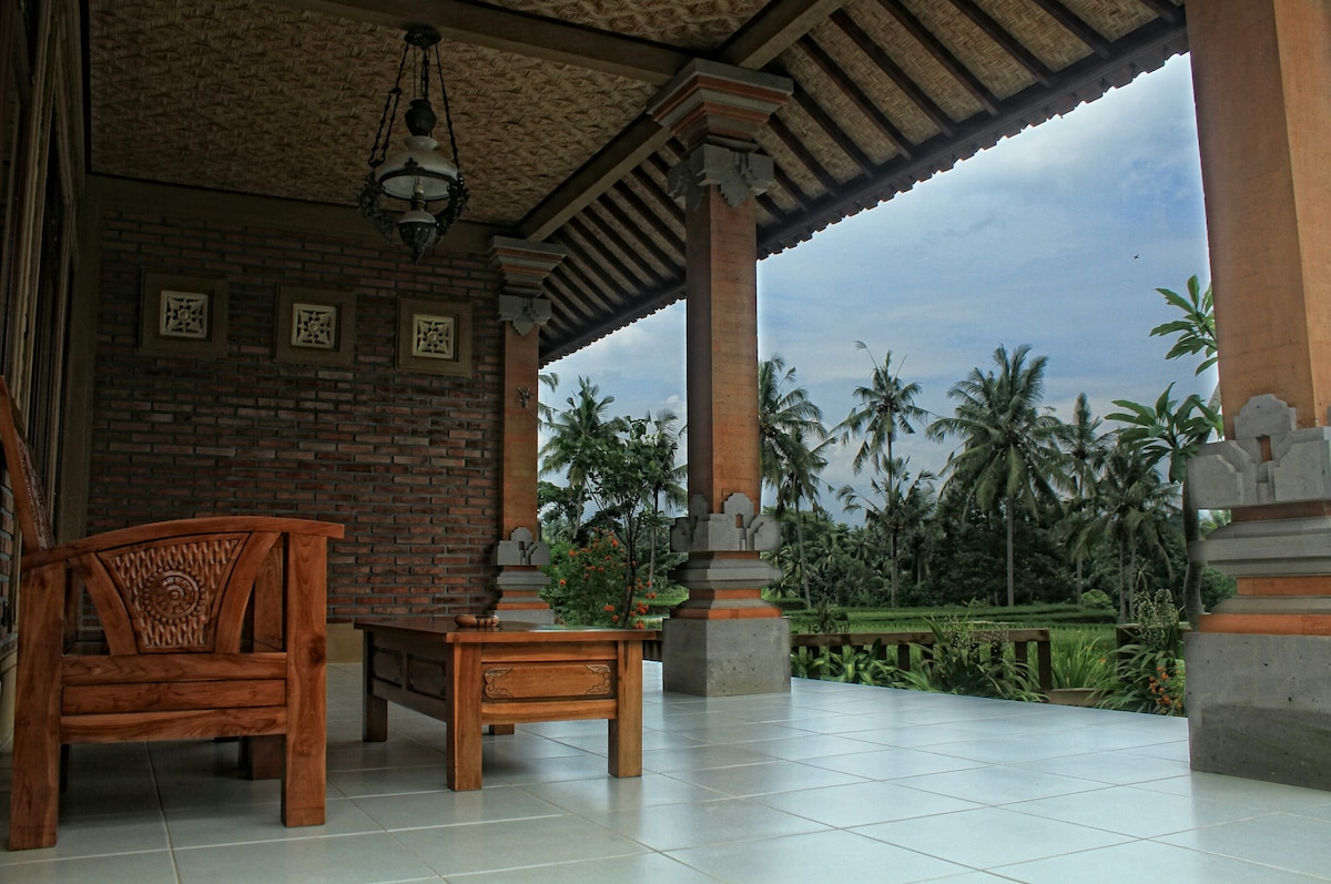 Villa Pisces Ubud is Balinese style housing what w