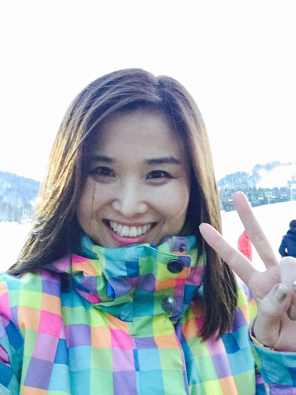Hi, there. I  am Gina, Korean host who can speak E