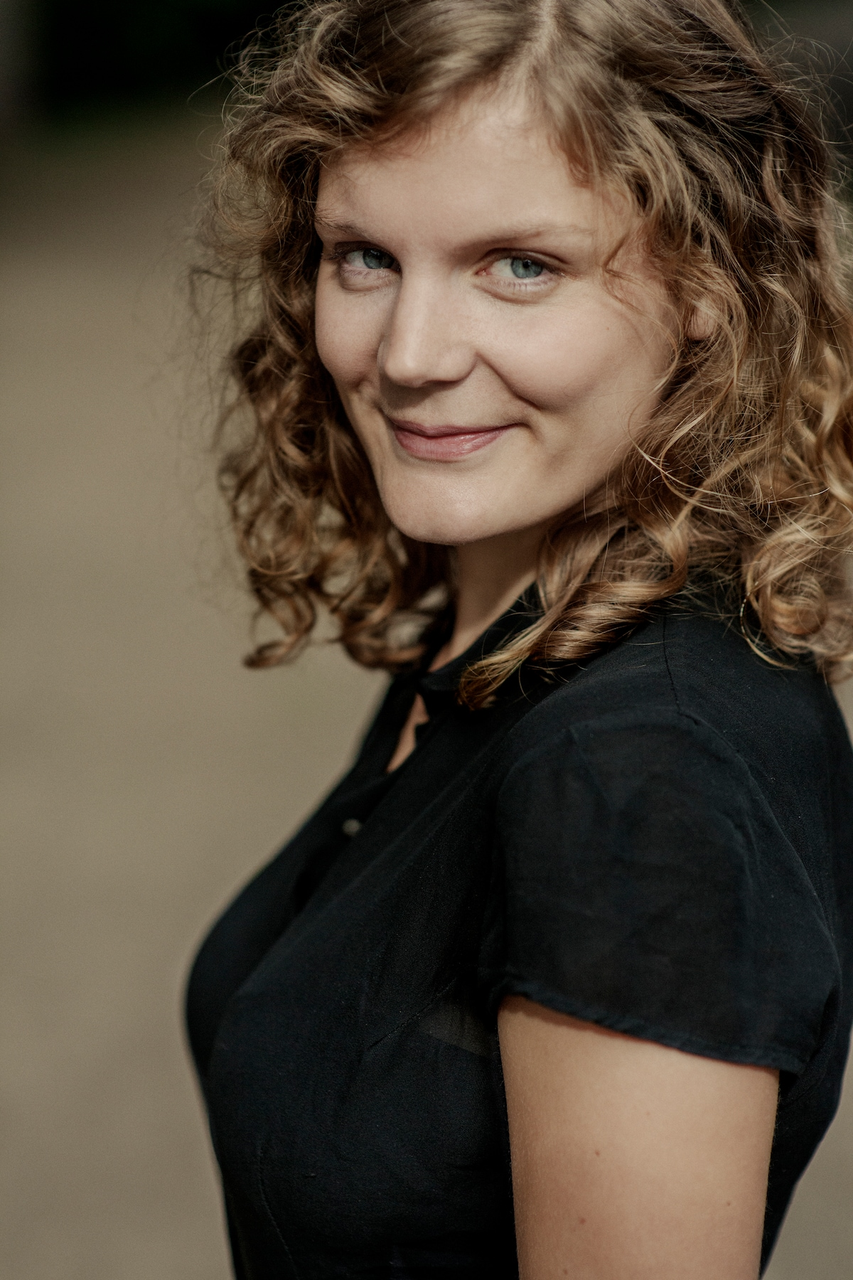 Name: Nona Buhrs Works in Theatre From Amsterdam