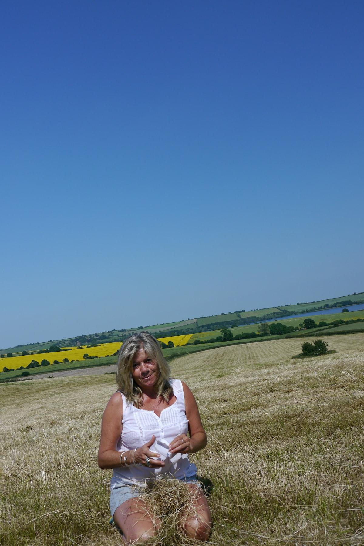 Charlotte From Wivenhoe, United Kingdom