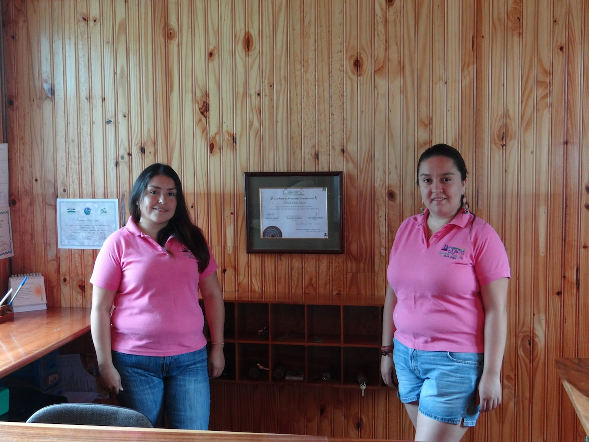 Jessica & Jacqueline From Monteverde, Costa Rica