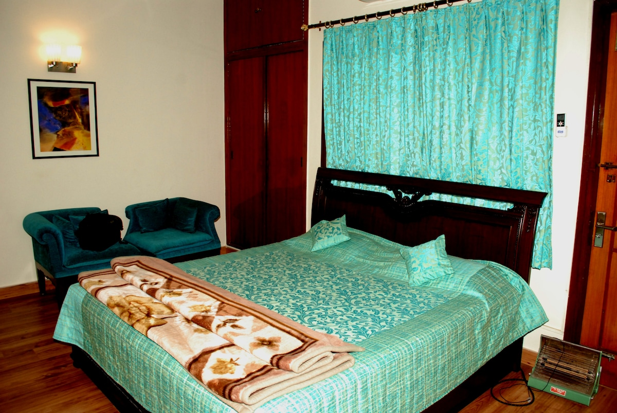 I have service Apartments in south Delhi available