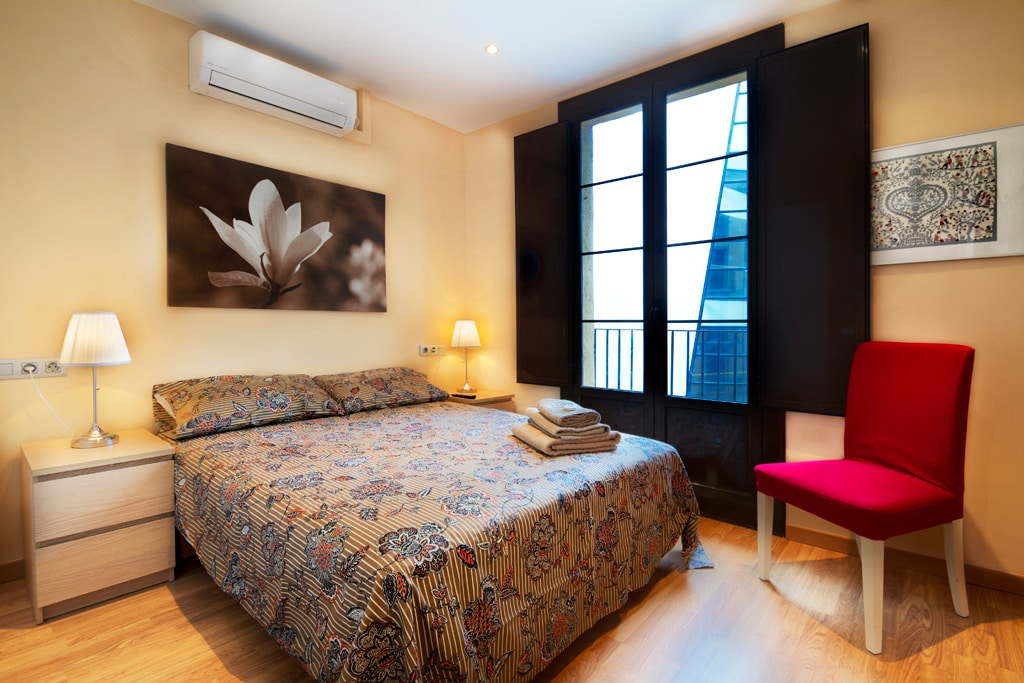 Raval Deluxe 2 bed 2 bath with WIFI
