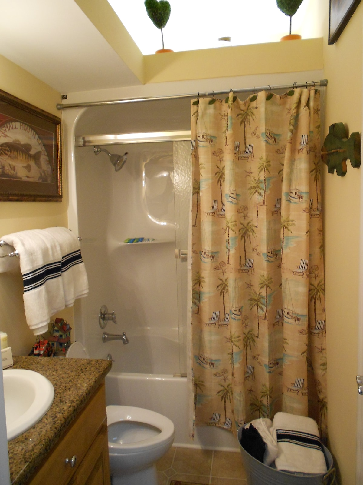 Fully equipped bath, with amenities and hair dryer with nice fluffy towels