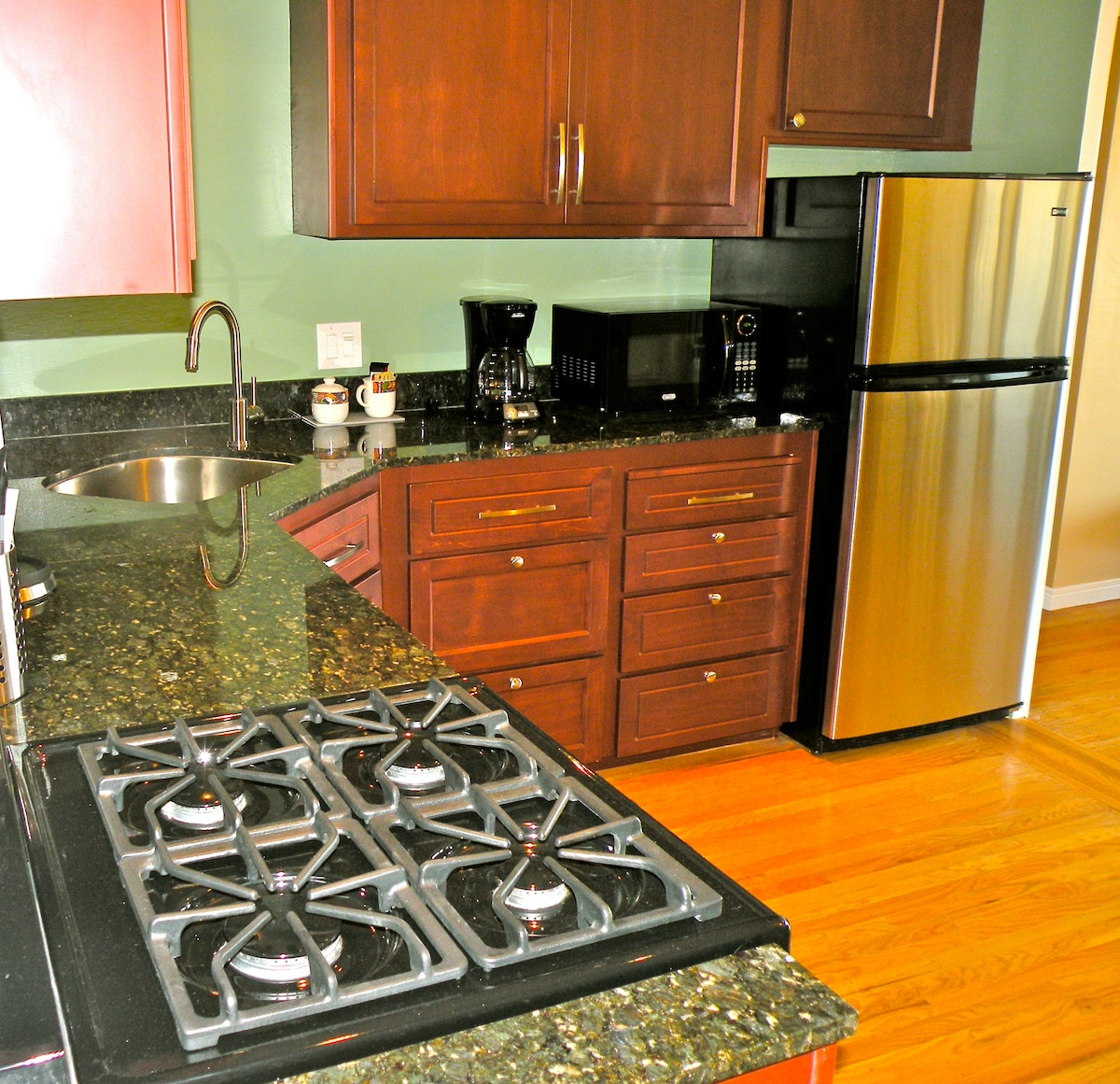 A chef's kitchen for your use.. Fresh bread, organic produce, and gourmet foods available nearby,
