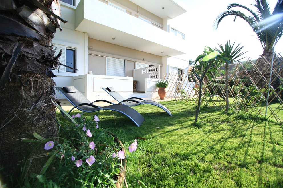 Apartment with private garden!