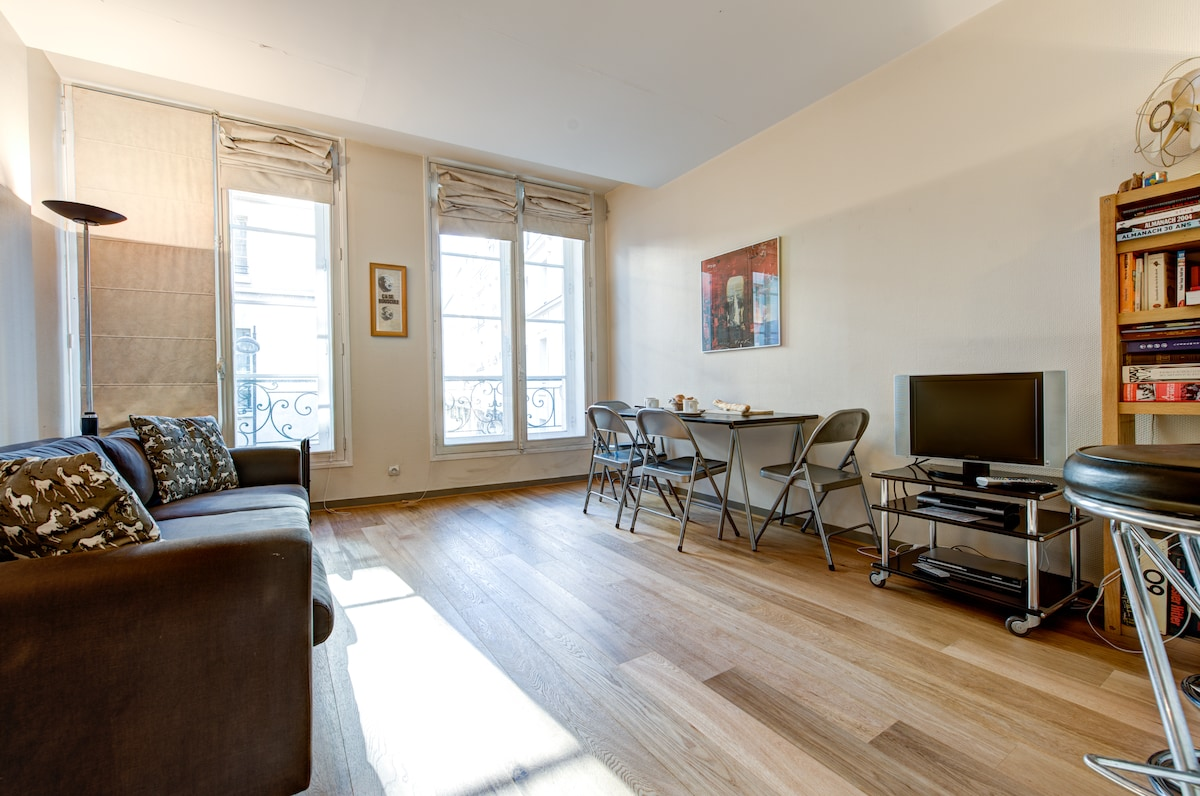 Rue St Honore Living room