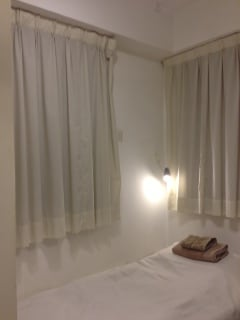 Lovely clean single bed, for 2nd person, you can use a infallible mattress next to the bed