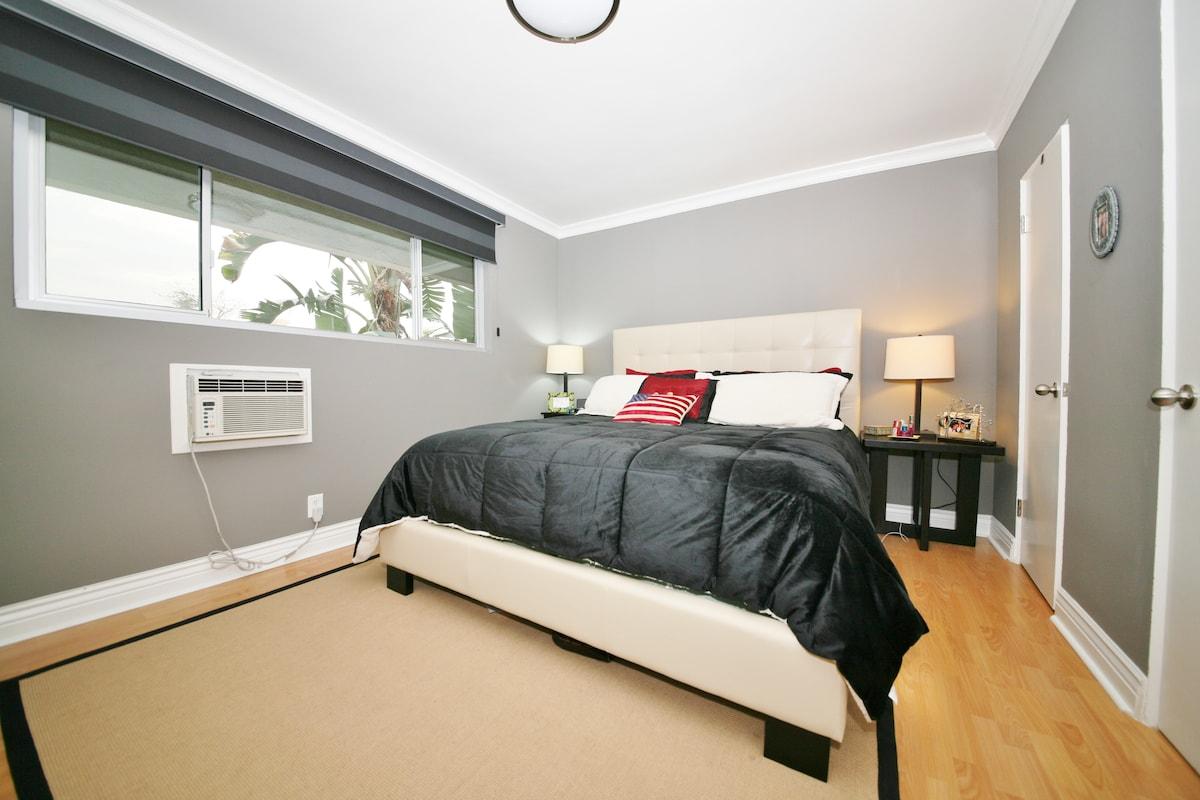 Master Bedroom 1  (with en suite bathroom)