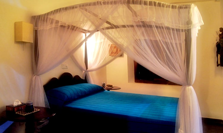 4 bedrooms, en suite  ,  Air conditioners  , overhead fans , mosquito nets , high ceilings.