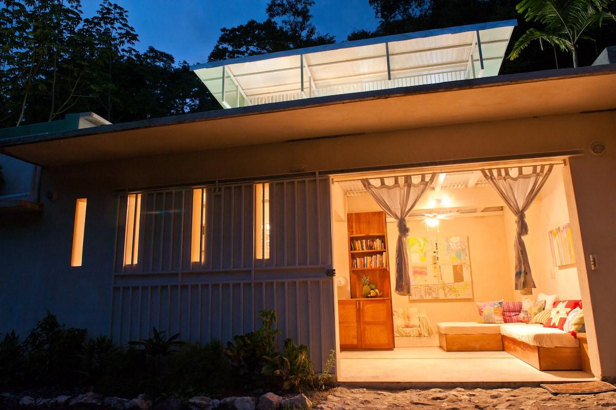 Casa Zwart-Wit A gem in the Jungle