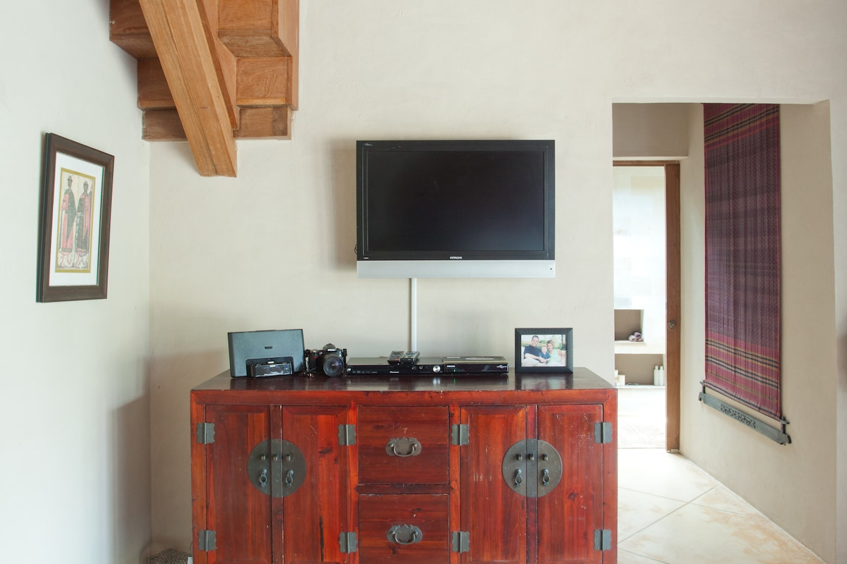 TV, DVD and iPod dock in Master Bedroom