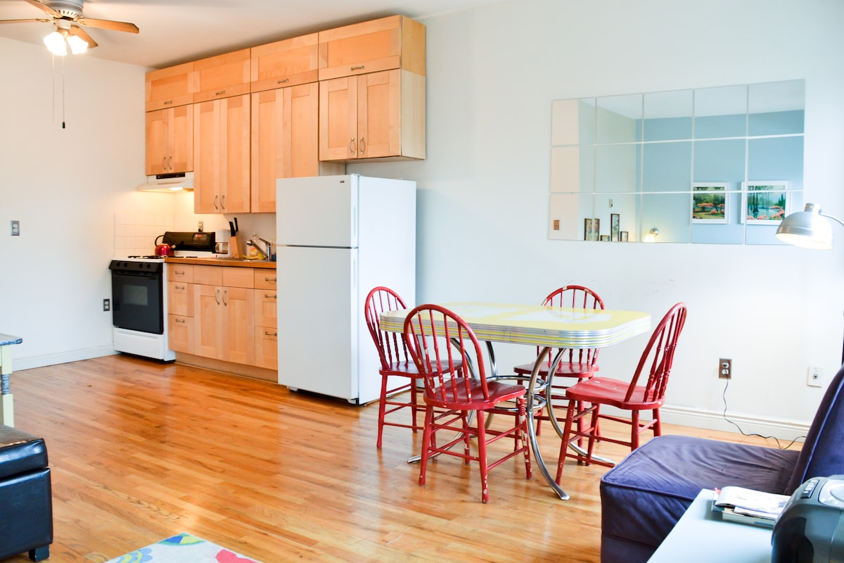 Totally serviceable kitchen; save $ with in-home meals!