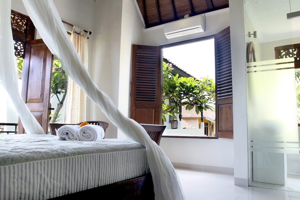 Double Bed With AC