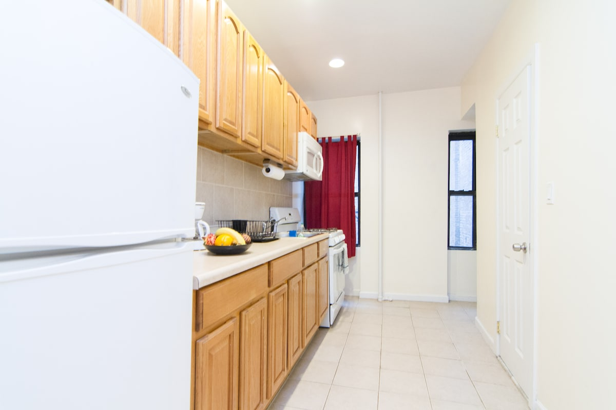 GREAT 1BR-TIMES SQ/ MIDTOWN WEST