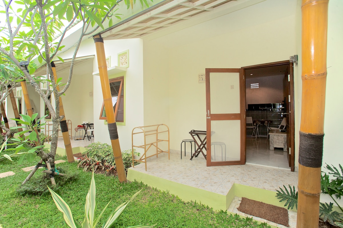 The units are quiet and well maintained for your comfort and enjoyment.