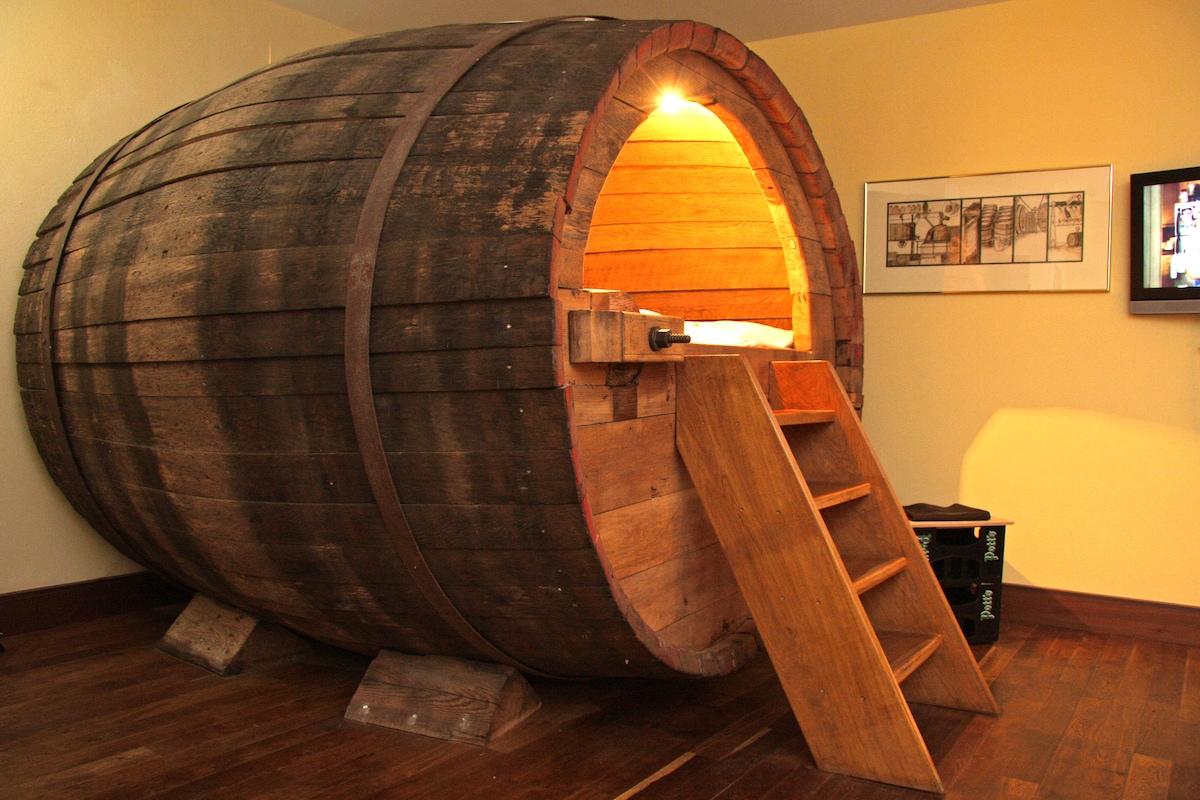 Barrel Dog House Uk