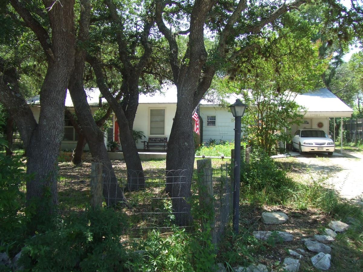 Eddo's Acre in Driftwood Texas