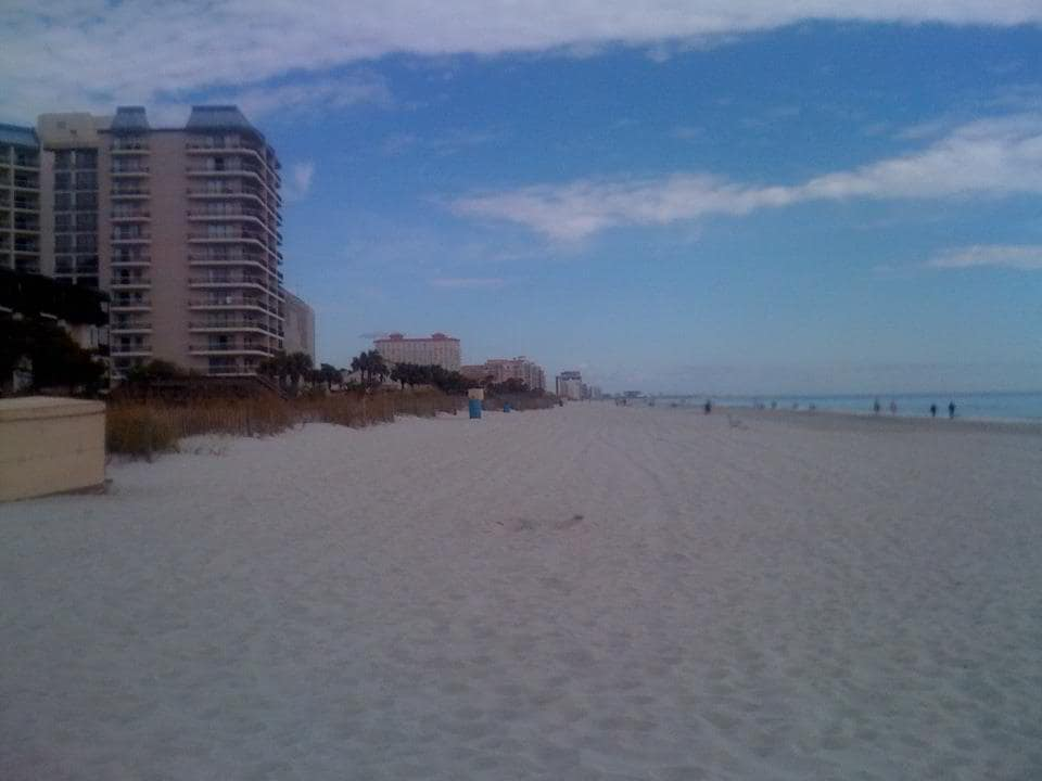 HUGE*2br*BEACH*POOL*UPDATED*Sm Dogs