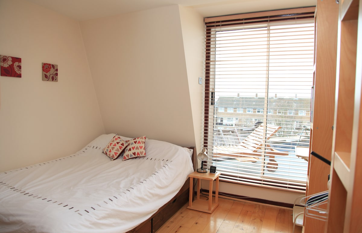 Double room with terrace & bathroom