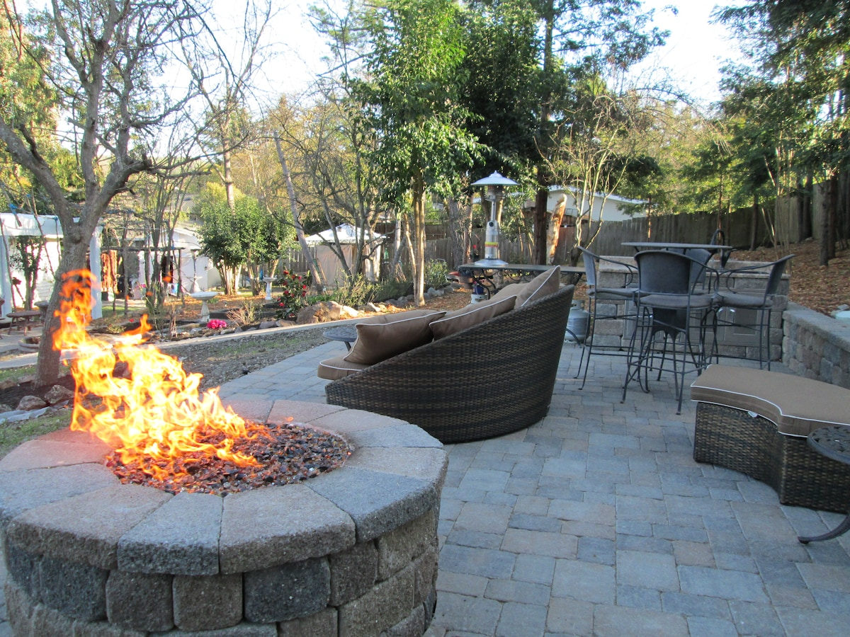 Upper patio with firepit and sink