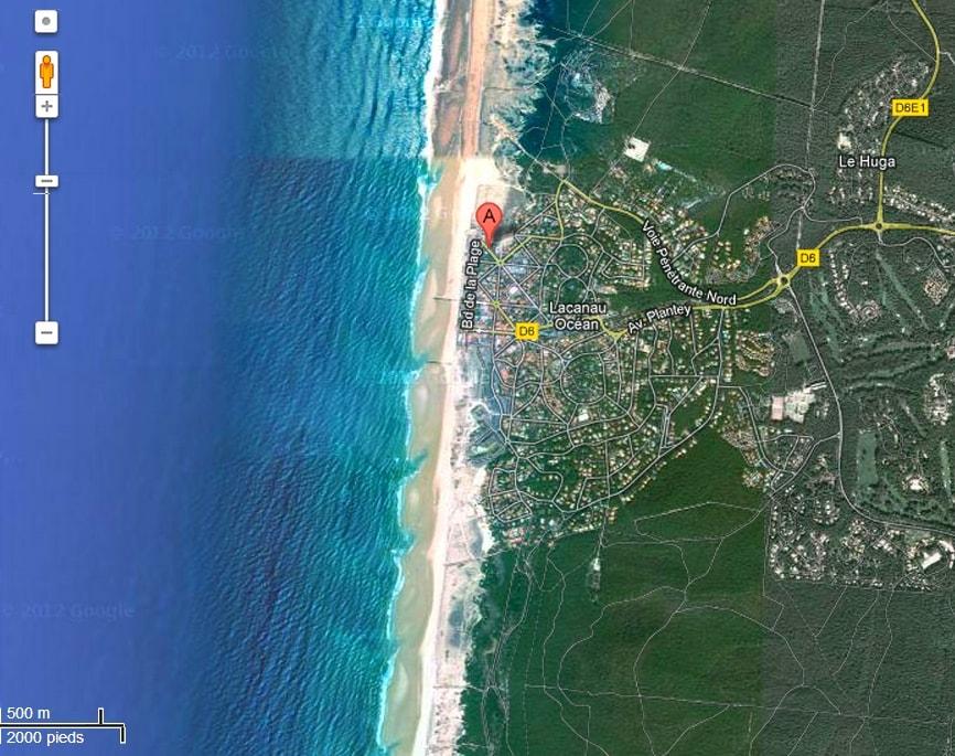 Located in a quiet street, close to all the stores - 30 mètres de la plage et moins de 300 mètres des commerces du centre ville