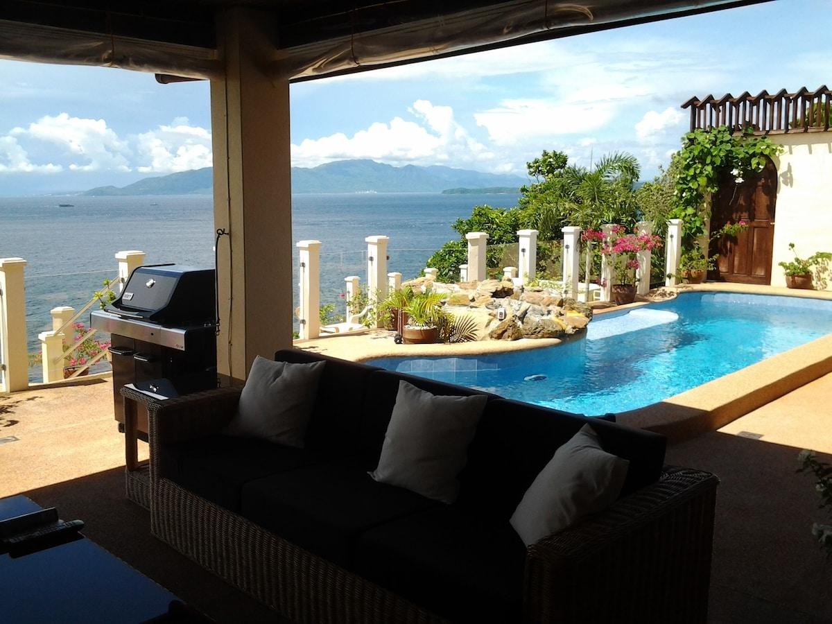 Ocean front villa with beach access