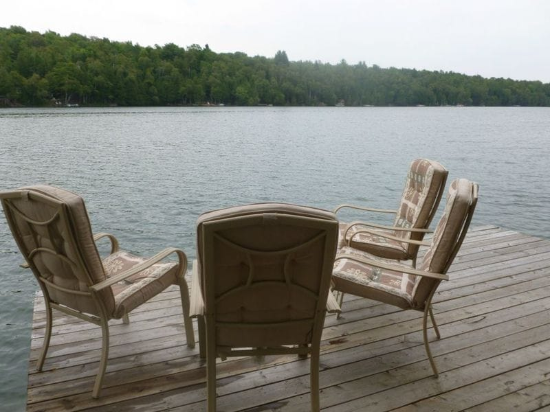Lakefront Cottage Modern & Cozy